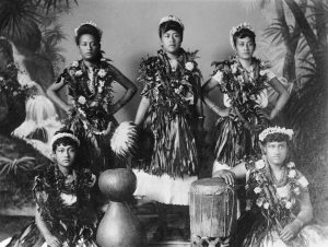 Hula dancers and musicians ca. 1907